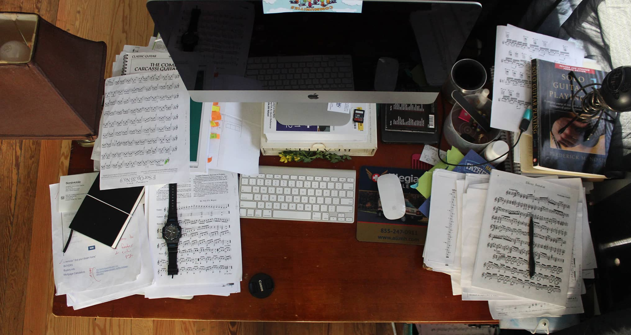 Messy office desk leads to distractions